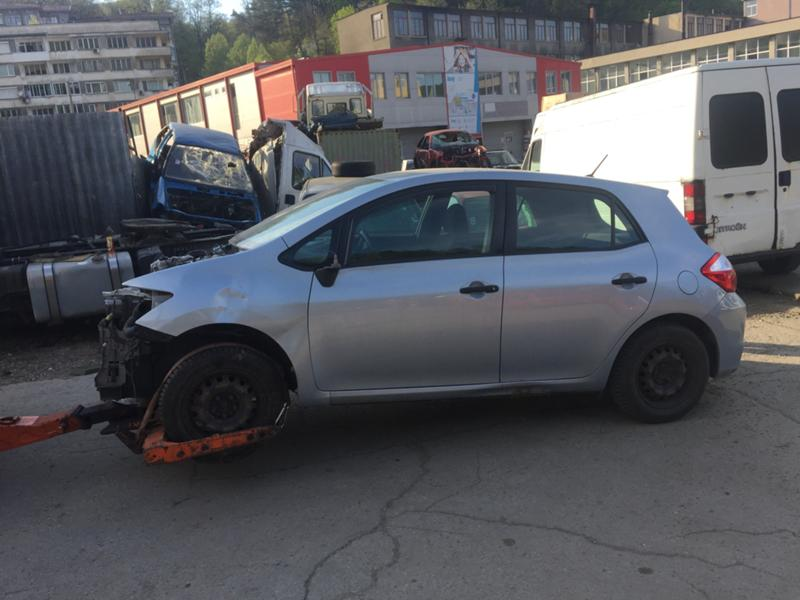 Toyota Auris 1.6i