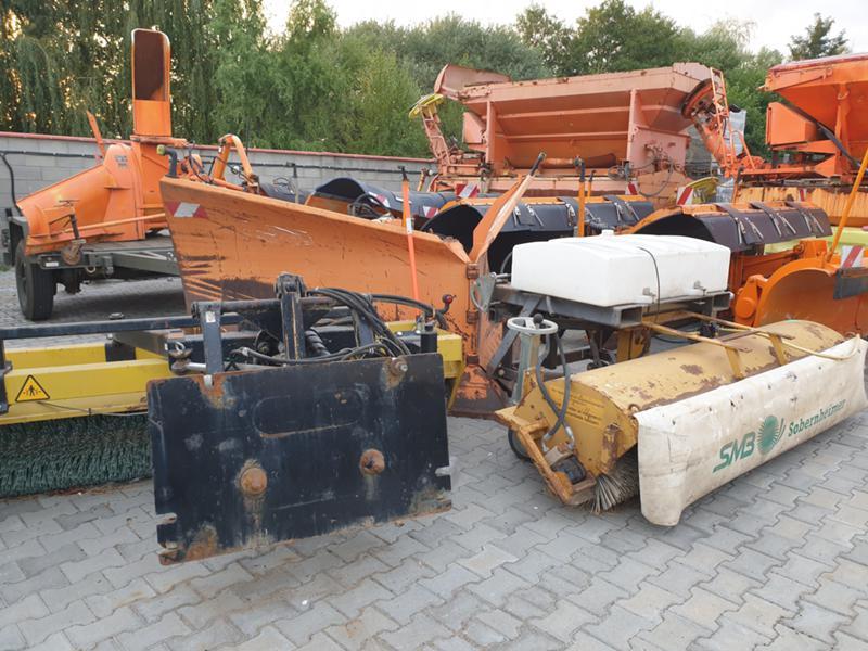 Машини за асфалт Dynapac Четка за асфалт