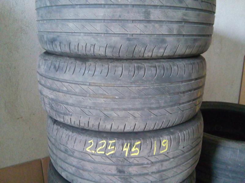 Гуми Летни 225/45R19