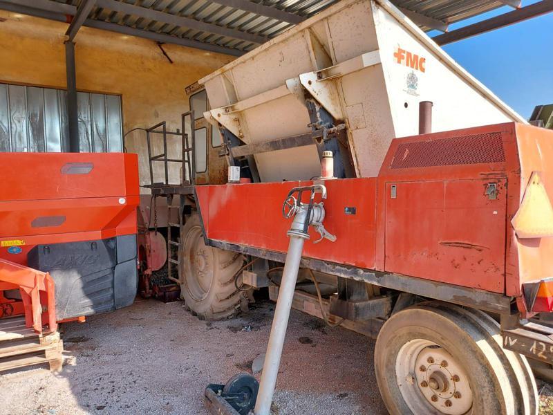 Комбайн Друга марка FMC- Комбайн за бобови растения, снимка 3