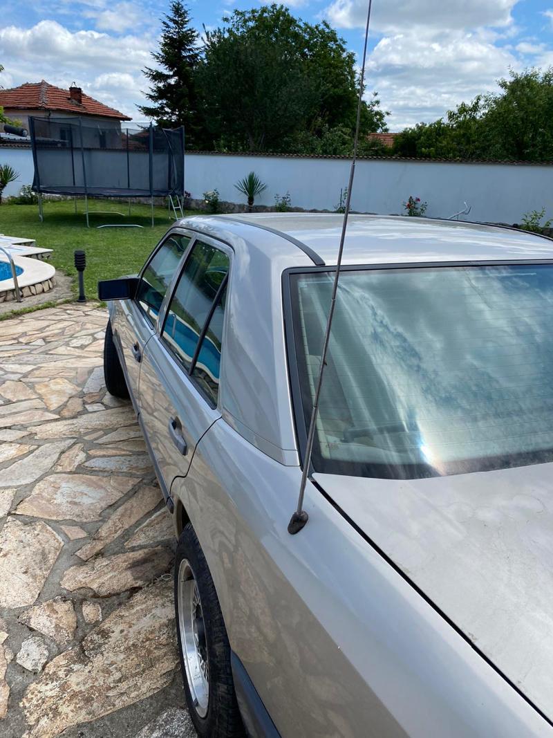 Mercedes-Benz 230, снимка 4