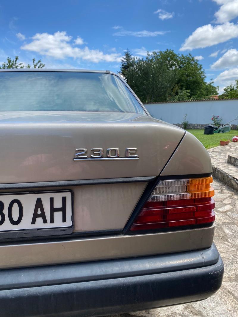 Mercedes-Benz 230, снимка 12