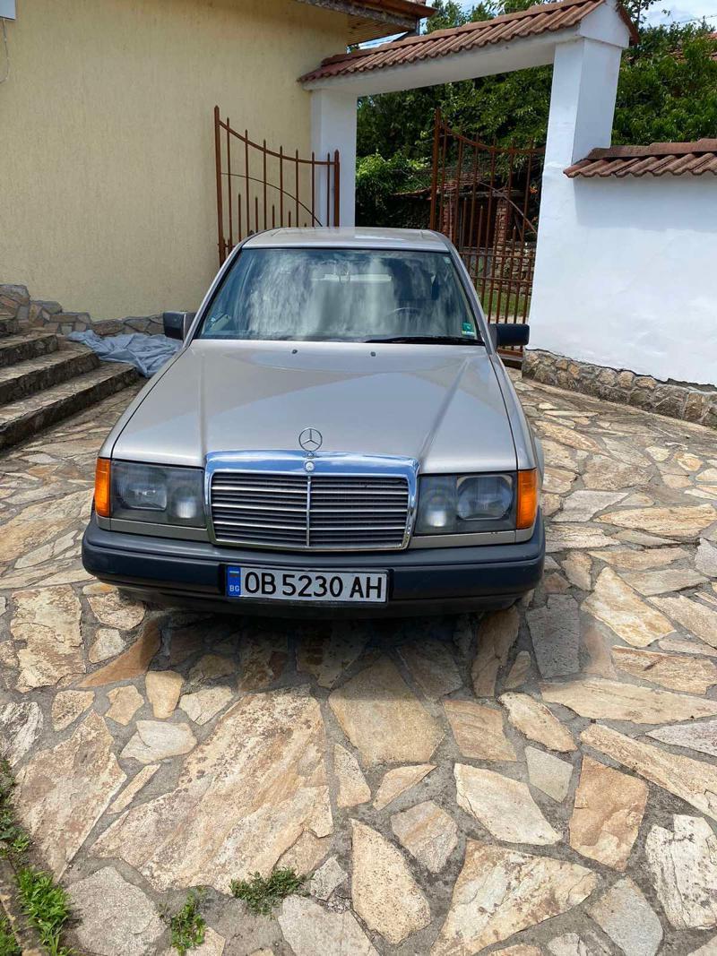 Mercedes-Benz 230, снимка 2