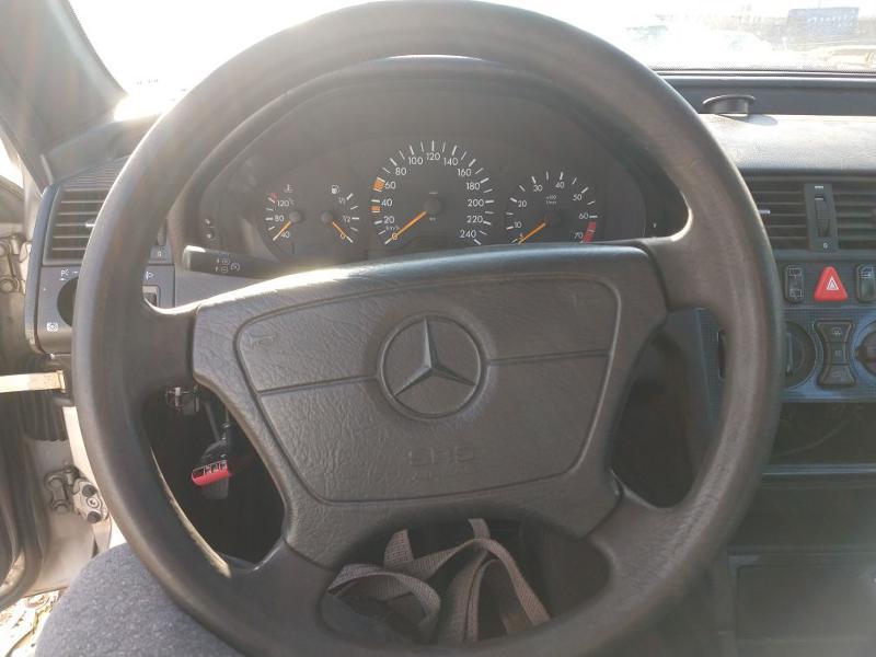Mercedes-Benz C 220, снимка 7